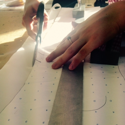 pattern_cutting_hands